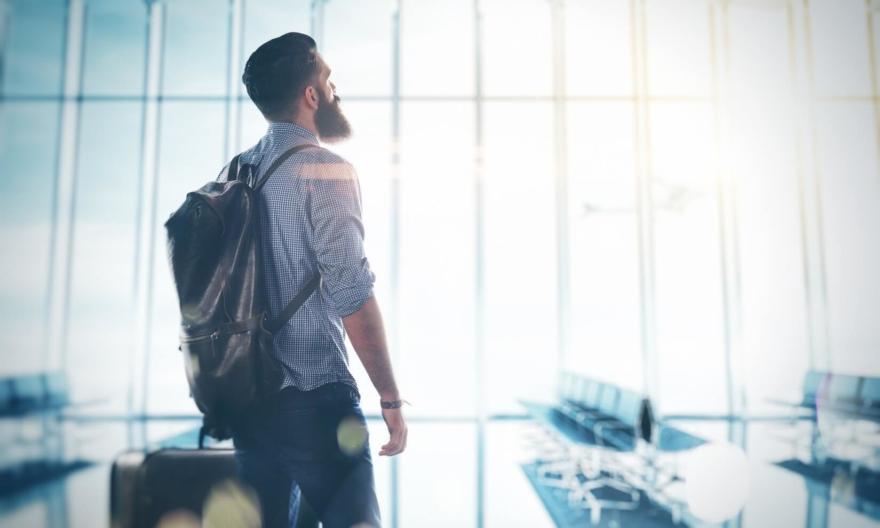 10 способов заработать деньги этим летом, путешествуя за границей